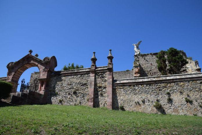 entrée cimetière comillas