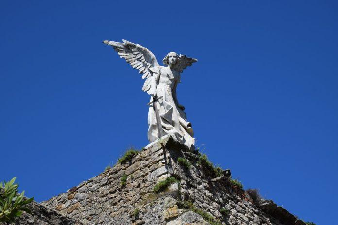 ange cimetière comillas domec i montaner