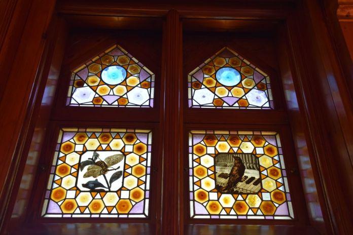vitraux nature et musique capricho gaudi comillas
