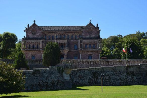 étonnant palais de sobrellano à Comillas