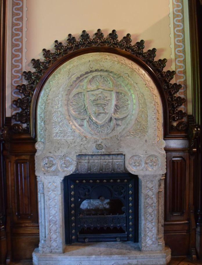 cheminée petite pièce palais sobrellano comillas