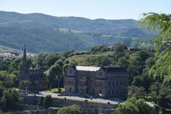 église panthéon et palais de Sobrellano comillas