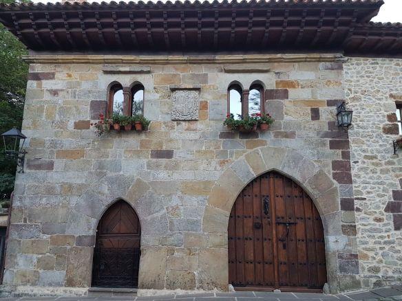 palais de santillana del mar restauré