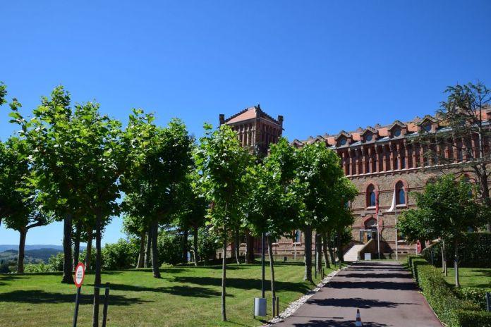 partie haute parc université pontificale comillas