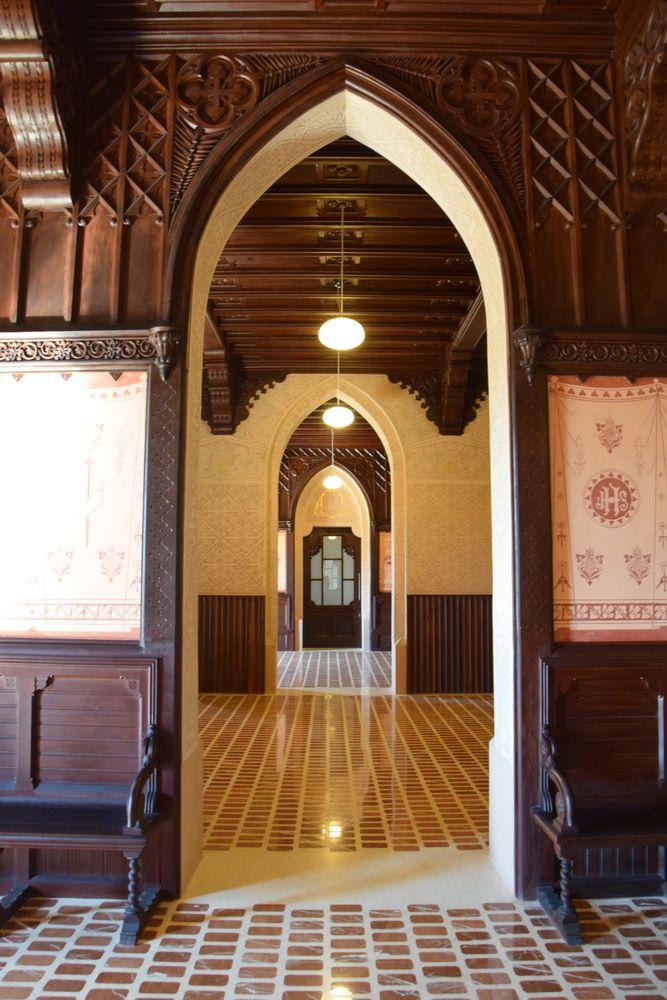 boiseries arcs gothiques université pontificale comillas