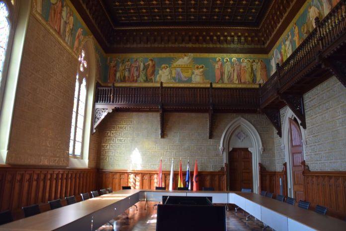 salle réunion université pontificale comillas