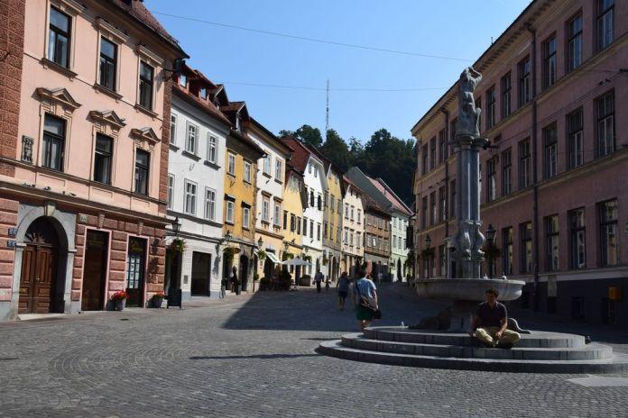fontaine pour se reposer Ljbljana