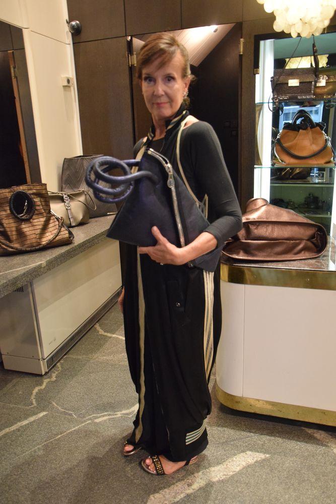 Marjeta Grosels imagine des sacs élégants à Ljubljana