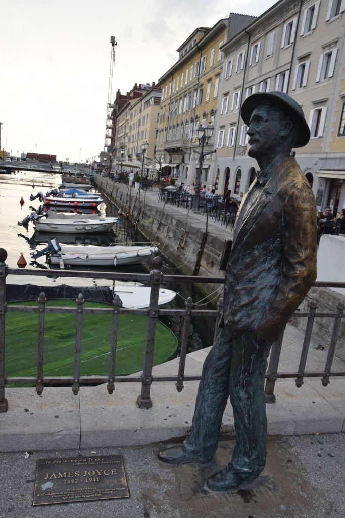 James joyce au bord du grand canal à Trieste