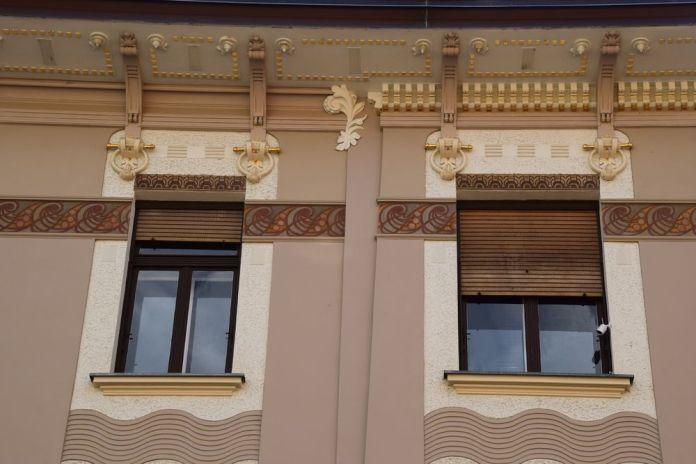 avant toit et fenêtre 11 Tavcarjeva ulia ljubljana