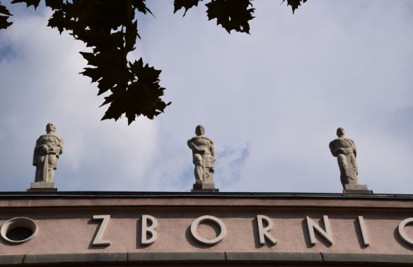 statues projetant idée de force ljubljana