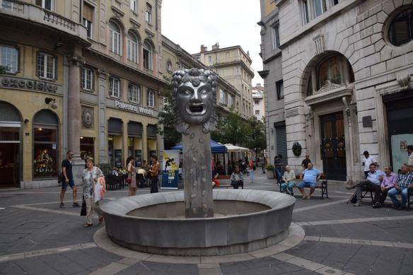 nouvelle fontaine viale XX settembre trieste