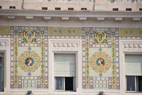 mosaïques du palais du gouvernement à trieste