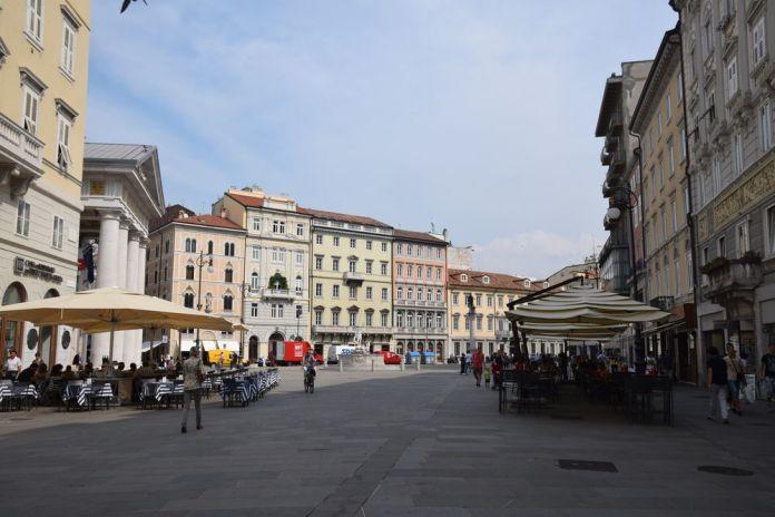Piazza de la borsa trieste