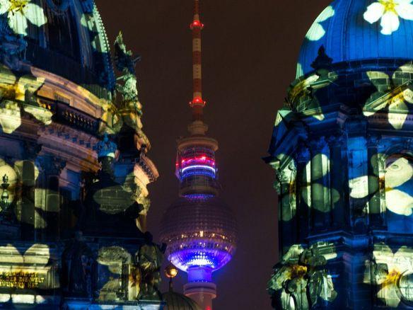 tour de la télévision berlin festival des lumières