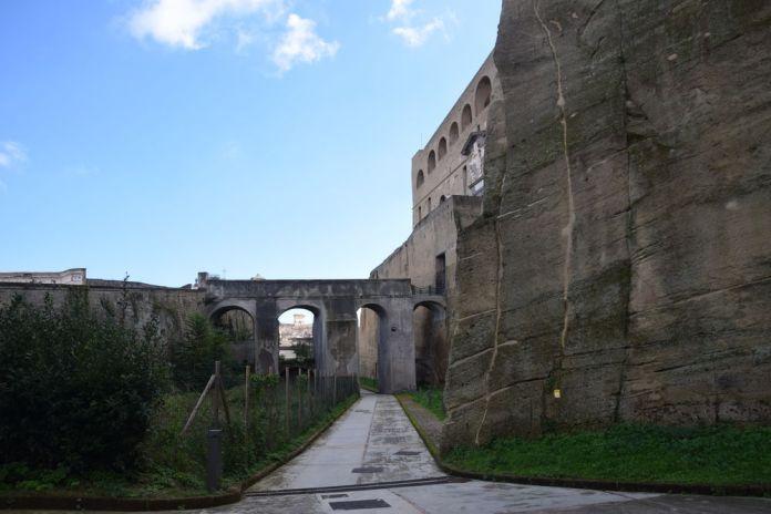 murailles du Castel Sant'Elmo Naples