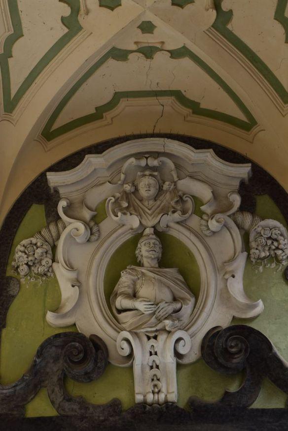 détail décor palazzo dello Spagnolo Naples