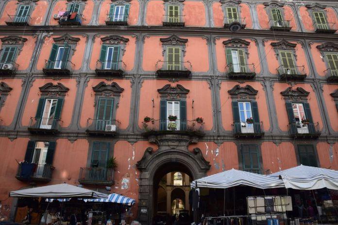 façade Palazzo delle Spagnollo Naples