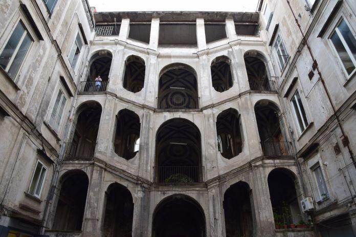 cage d'escalier palazzo sanfelice Naples