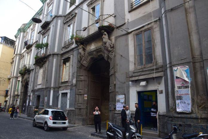 façade Palazzo Sanfelice Naples