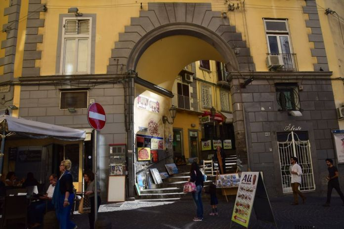 Naples scène de rue