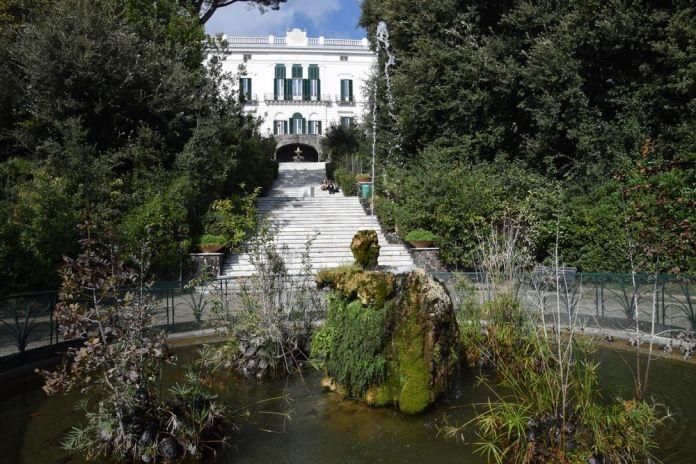 escaliers et fontaines villa floridiana Naples