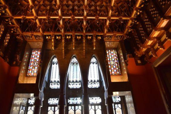 l'un des salons du Palais Güell par Gaudi à Barcelone Barcelona