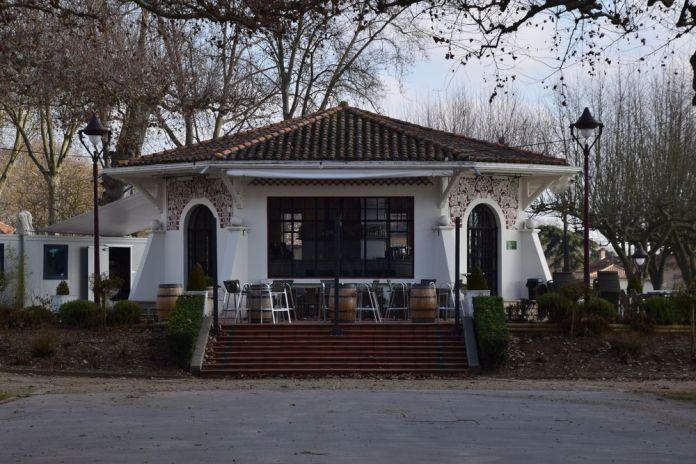 Uvarium café restaurant