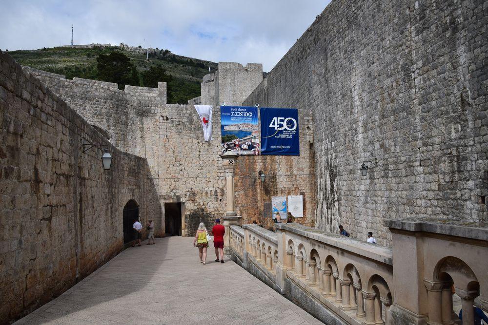 Dubrovnik la grandeur de l ancienne r publique de raguse for Grandeur de porte