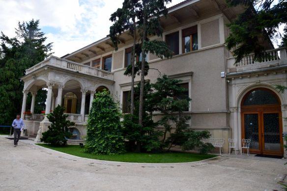 entrée villa ceaucescu bucarest