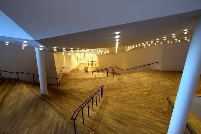 escaliers et niveaux elbphilarmonie hambourg