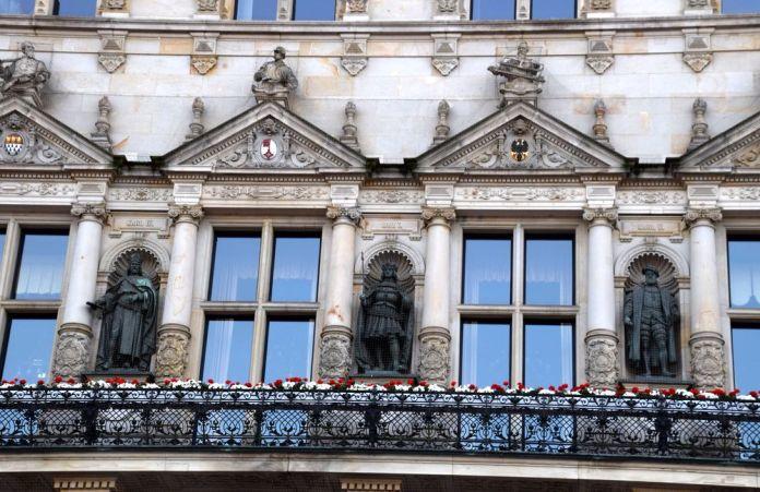 détail façade rathaus hambourg