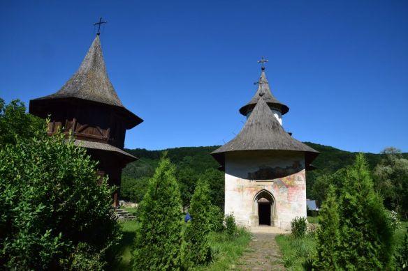 patrauti et clocher en bois
