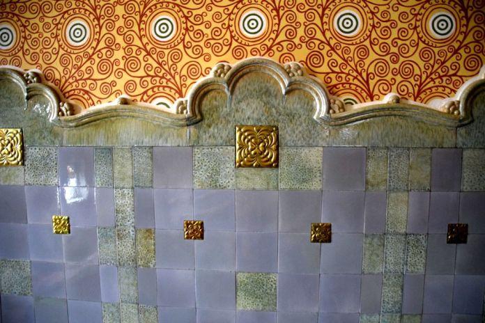murs en carreaux de Zsolnai mairie targu mures