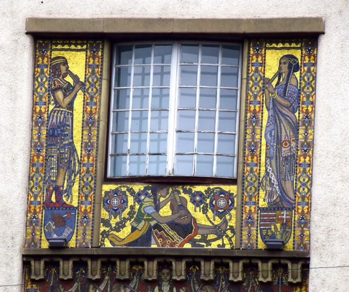 panneau de mosaïques palais de la culture Targu Mures