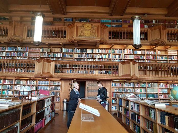 salle de lecture bibliothèque universitaire leuven louvain