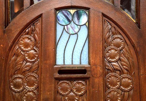 fleurs sculptées et vitraux 3 rue sellenick