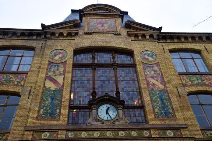 panneau vitré de l'école des arts décoratifs de strasbourg