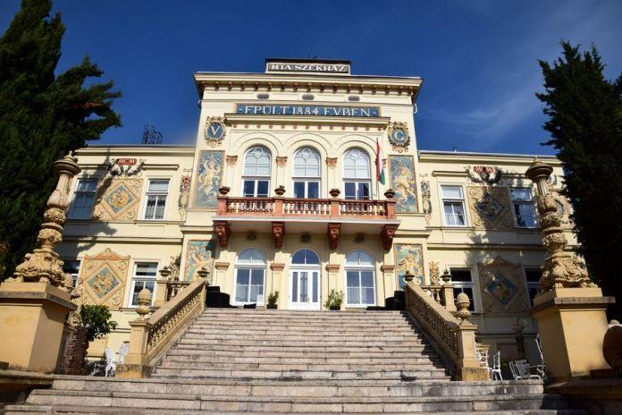 villa Vasvary