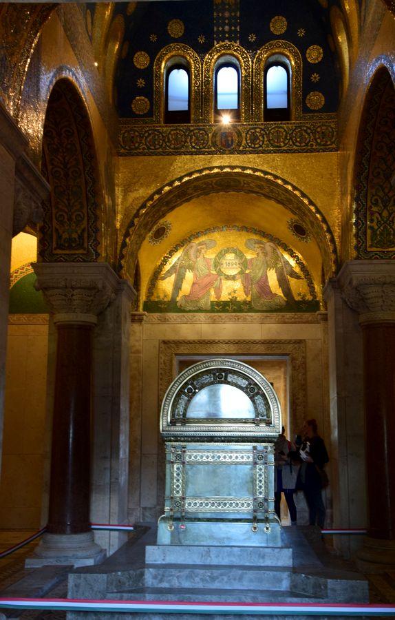 intérieur mausolée Kossuth Lajos Budapest