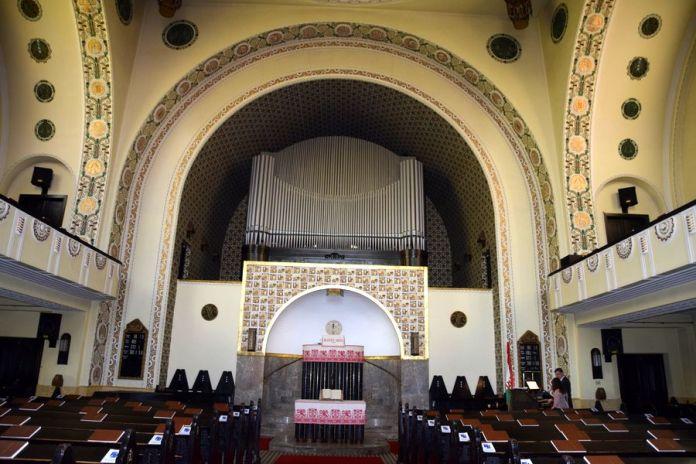 nef centrale église réformée fasor budapest