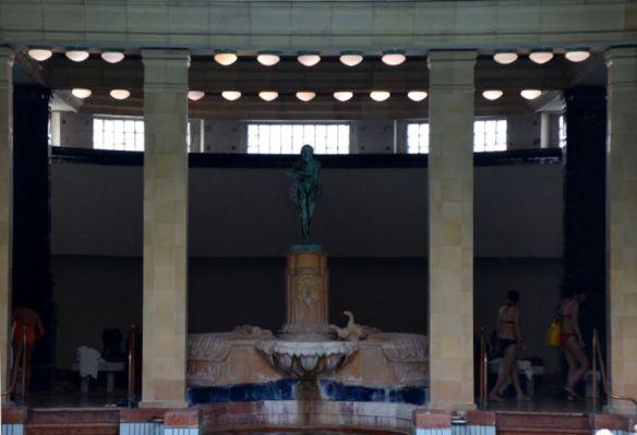 fontaine canards bains gelléert budapest