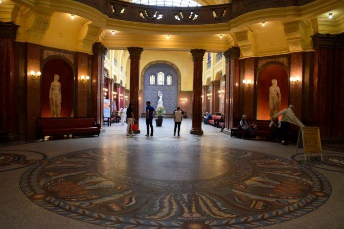 grand hall bains gellért