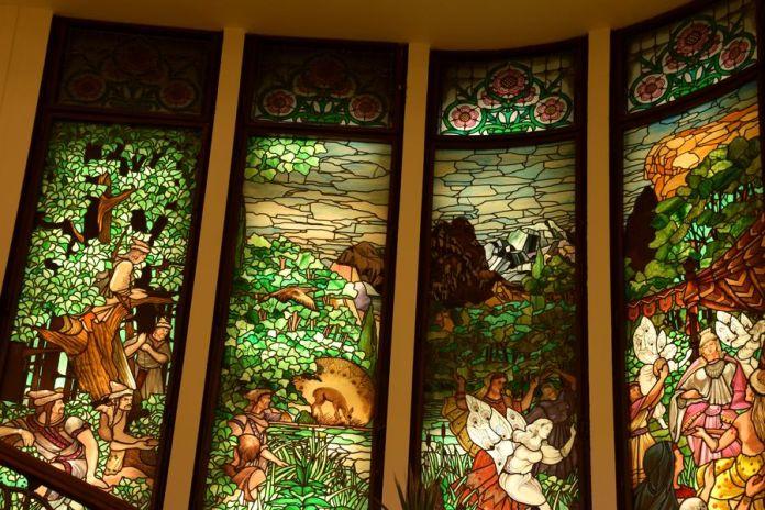 vitraux cage escalier hôtel gellert budapest
