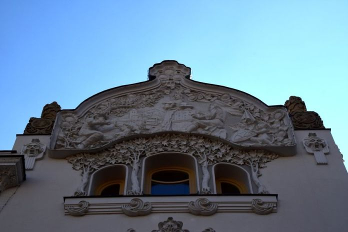 fronton allégorique villa korossy budapest