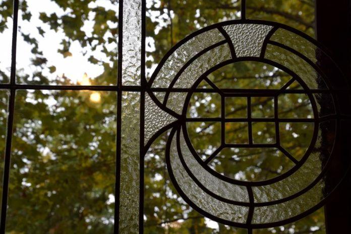vitraux géométriques villa schiffer budapest