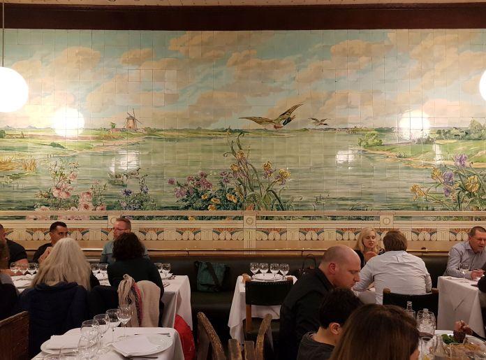 fresque fleurie restaurant Vincent à Bruxelles