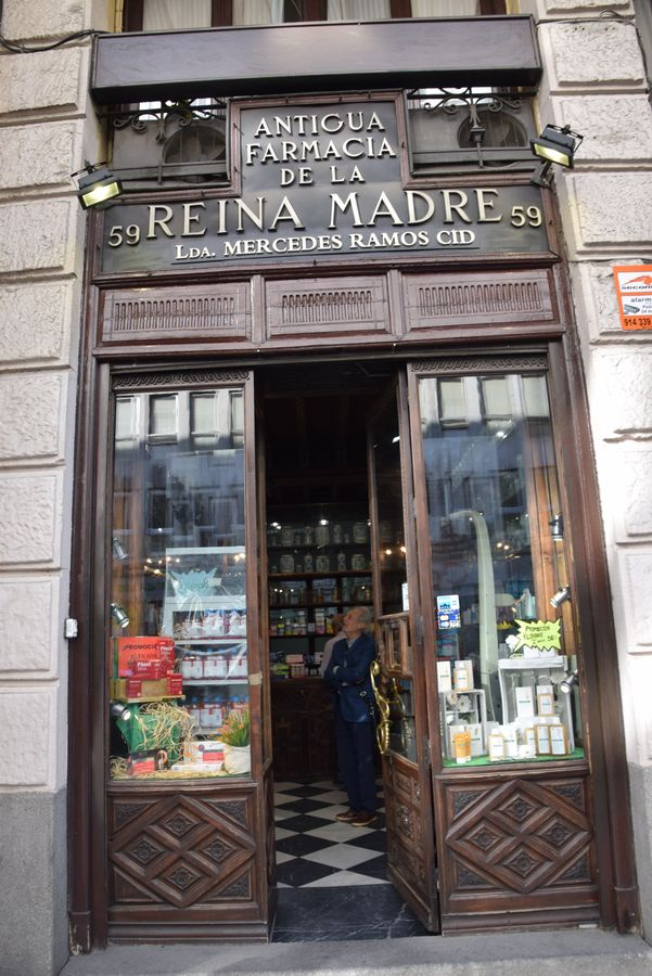 antigua farmacia de la reina madre madrid