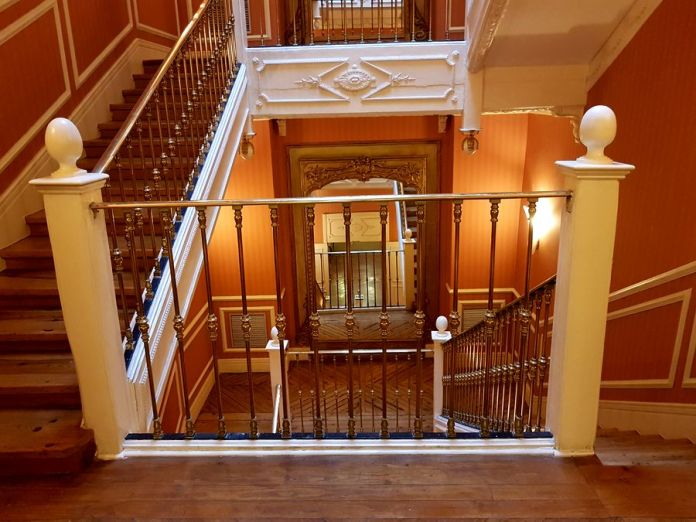 cage d'escalier catalonia las cortes
