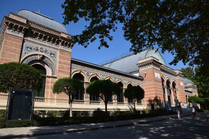 palais de Velasquez madrid